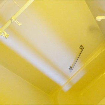 カーテンつけられます※写真は2階の同間取り別部屋のものです