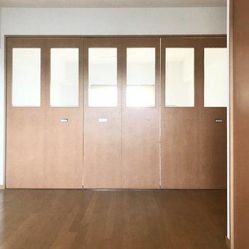 閉めたら落ち着く空間に!(※写真は清掃前のものです)※写真は3階の同間取り別部屋のものです