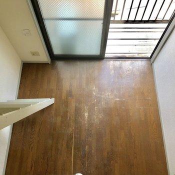 ロフトから洋室を見下ろしてみました。※写真は2階の同間取り別部屋のものです