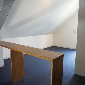 上階部分。おしゃれ空間ですね※写真は2階の同間取り別部屋のものです