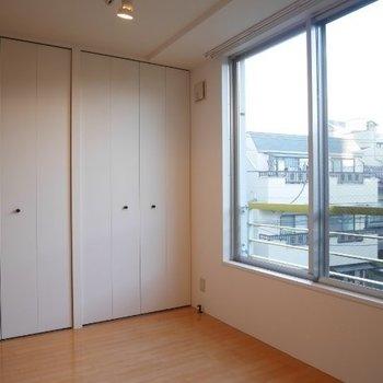 この収納は嬉しいですね※写真は3階の同間取り別部屋のものです