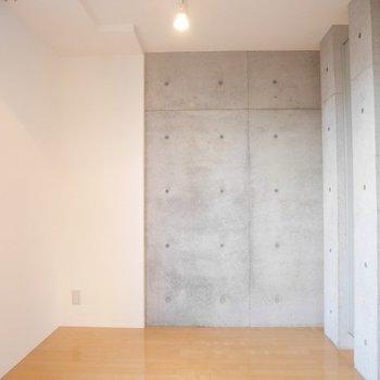 ダブルベッドおけます※写真は3階の同間取り別部屋のものです