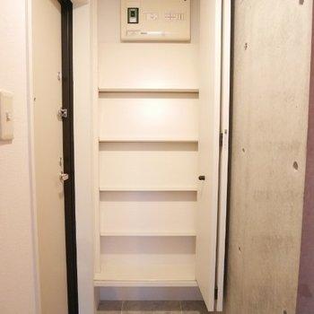 上までありますね※写真は3階の同間取り別部屋のものです