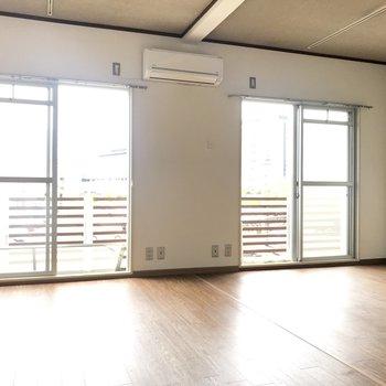 窓だって贅沢に2部屋分さ!