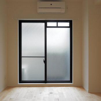 天井が高いので開放感があります