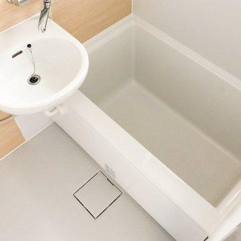 洗面台とお風呂は