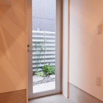 玄関はフラットに。※写真は前回募集時のものです