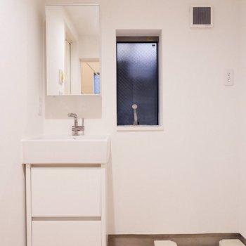 洗面台シンプルで可愛らしい。※写真は前回募集時のものです