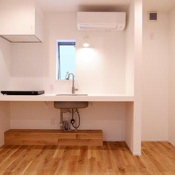 【2階部分】キッチン横に冷蔵庫置くスペースしっかり確保されています。※写真は前回募集時のものです