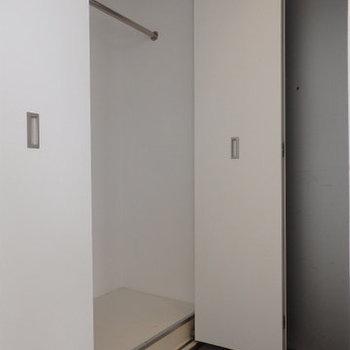 収納が少ないのが少し残念※写真は同間取り別部屋のものです。