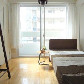6帖でも寝室なら十分な広さ。※写真は5階の反転間取り別部屋のものです