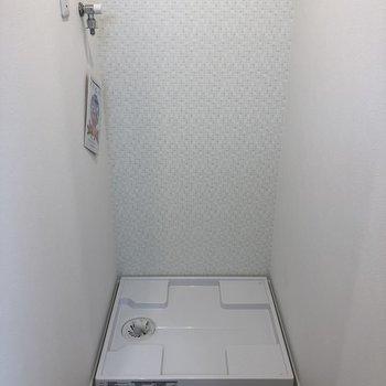 キッチンの反対側には、洗濯機置場がありますよ。
