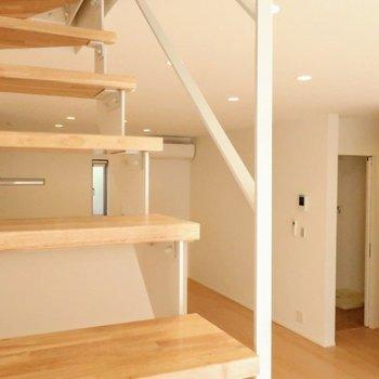 それでは2階へ※写真は別棟の同間取り別部屋のものです