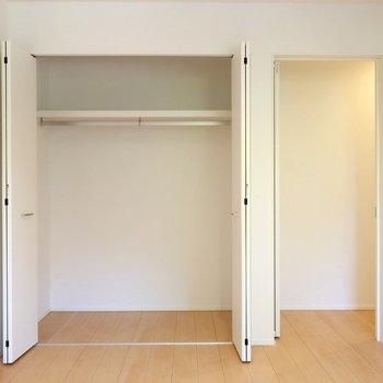 【洋室6帖②】収納がこちらのほうが広めです。※写真は別棟の同間取り別部屋のものです