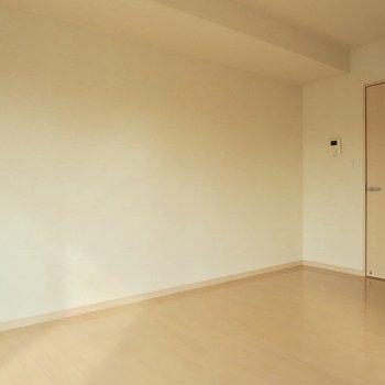 真っ白な壁がすがすがしい