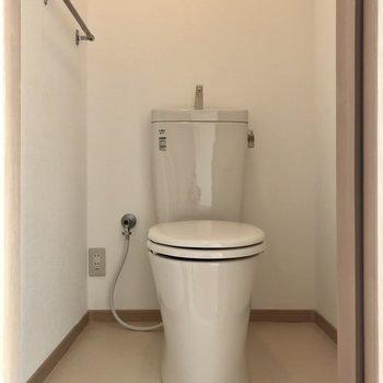 お手洗いはなんだかスッキリしてますね!