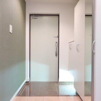 玄関もさすがのゆとりと雰囲気◎