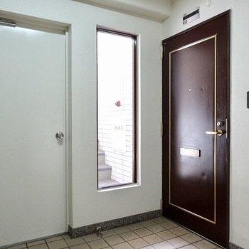 1フロア2部屋のみ。