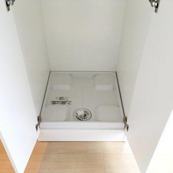 洗濯機置場です※写真は3階の似た間取りのお部屋(別棟)です