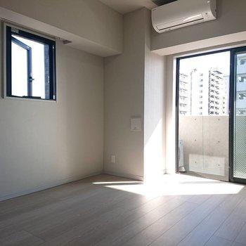 夢広がる小窓※写真は5階の同間取り別部屋のものです