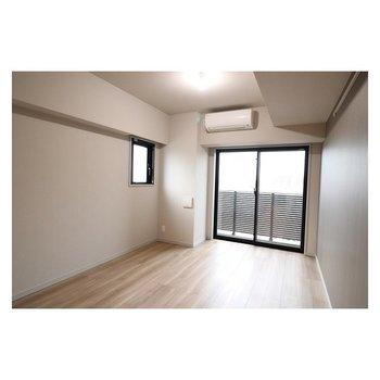 眺望はきれいに空が見えます※写真は3階の反転間取り別部屋のものです