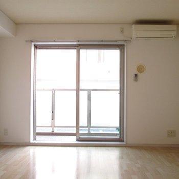 光もちゃんと入ってきます!※写真は通電前のものです※写真は1階の同間取り別部屋のものです