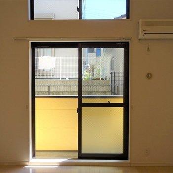 陽の光が心地よい。※写真は108号室のもの