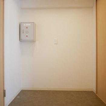 脱衣室はスペース広い!