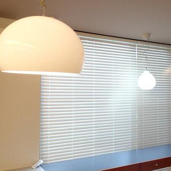 照明もこだわりのものを。※写真は1階の反転間取り別部屋です。
