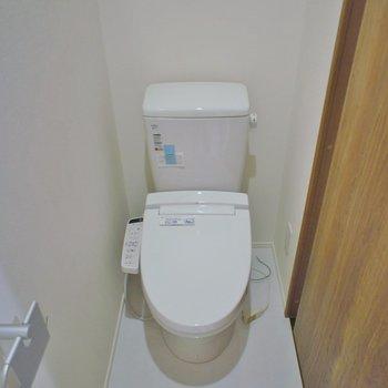 トイレにも収納付いてますし、、、※写真は前回募集時のもの