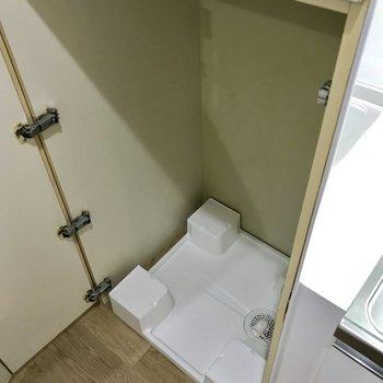 洗濯機置場には扉があるので、生活感を消せる