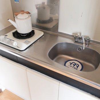 キッチンはコンパクトゆえ、お料理は効率よくね(※写真はモデルルームです)