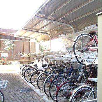 屋根付きの自転車置き場は嬉しい!※写真は前回募集時のものです