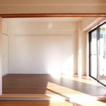 仕切りがあるので、メリハリも付けられます※写真は4階の同間取り別部屋のものです