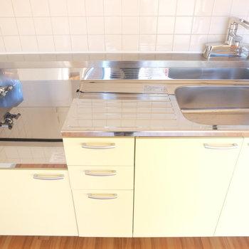 キッチンは広々!コンロは2口コンロ設置出来ます!※写真は4階の同間取り別部屋のものです