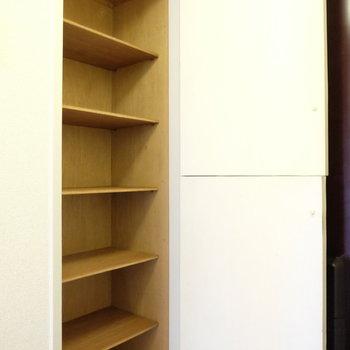 シューズボックスは2人分入りそう※写真は4階の同間取り別部屋のものです