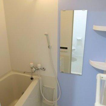お風呂はコンパクトですが追炊き、浴室乾燥付き!※写真は前回募集時のものです。