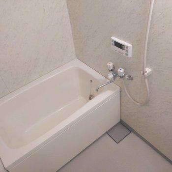 浴室乾燥付きです。