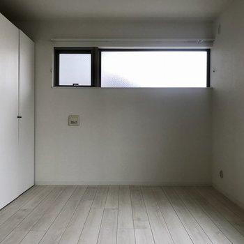 次に奥のお部屋を見ていきます!