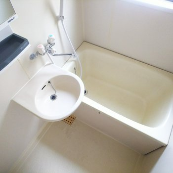 バスルームは2点ユニットです。