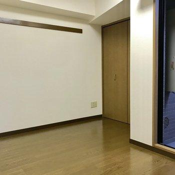 このスペースにベッドかな。