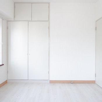 【洋室②】出窓をうまく活かしたい。※写真は3階の同間取り別部屋のものです。