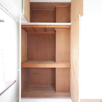 【洋室②】大容量の収納です。※写真は3階の同間取り別部屋のものです。
