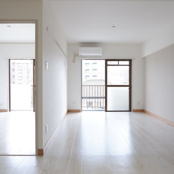 【LDK】爽やかなお部屋◎※写真は3階の同間取り別部屋のものです。