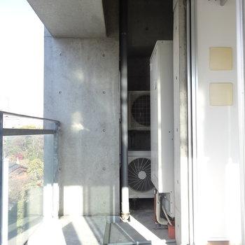 バルコニー広めです※写真は9階の同間取り別部屋のものです