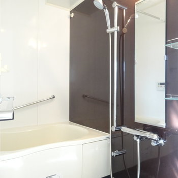 バスルーム、きれいだ。※写真は9階の同間取り別部屋のものです