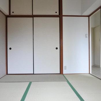 収納は押入れサイズなので、お布団もしっかり収納できます。※写真は1階の反転間取り別部屋のものです