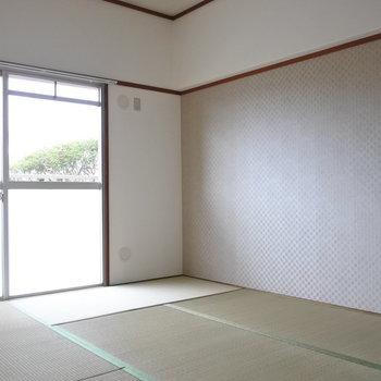 和室はお子さんと遊ぶ場所に丁度よい!※写真は1階の反転間取り別部屋のものです