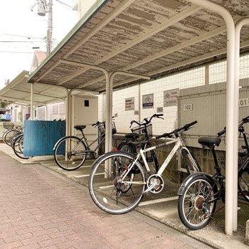 お部屋ごとに駐輪スペースが分けられていました。