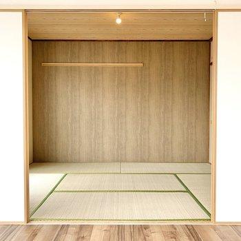 ふすまを開けて和室へ。